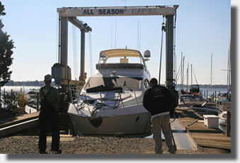 All Seasons Marina's 25 Ton Travel Lift